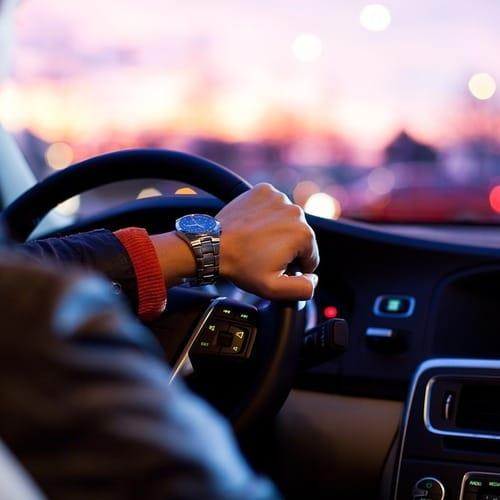 Fahrzeugverleih, Transport und Autofahrer