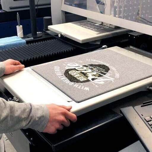 So einfach geht das Bedrucken von T-Shirts - Shirtigo - T-Shirt-Druck im Raum Köln